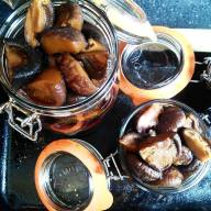Pickled shiitake mushrooms